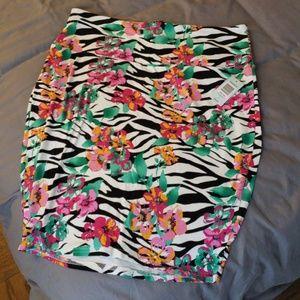 Torrid floral print skirt
